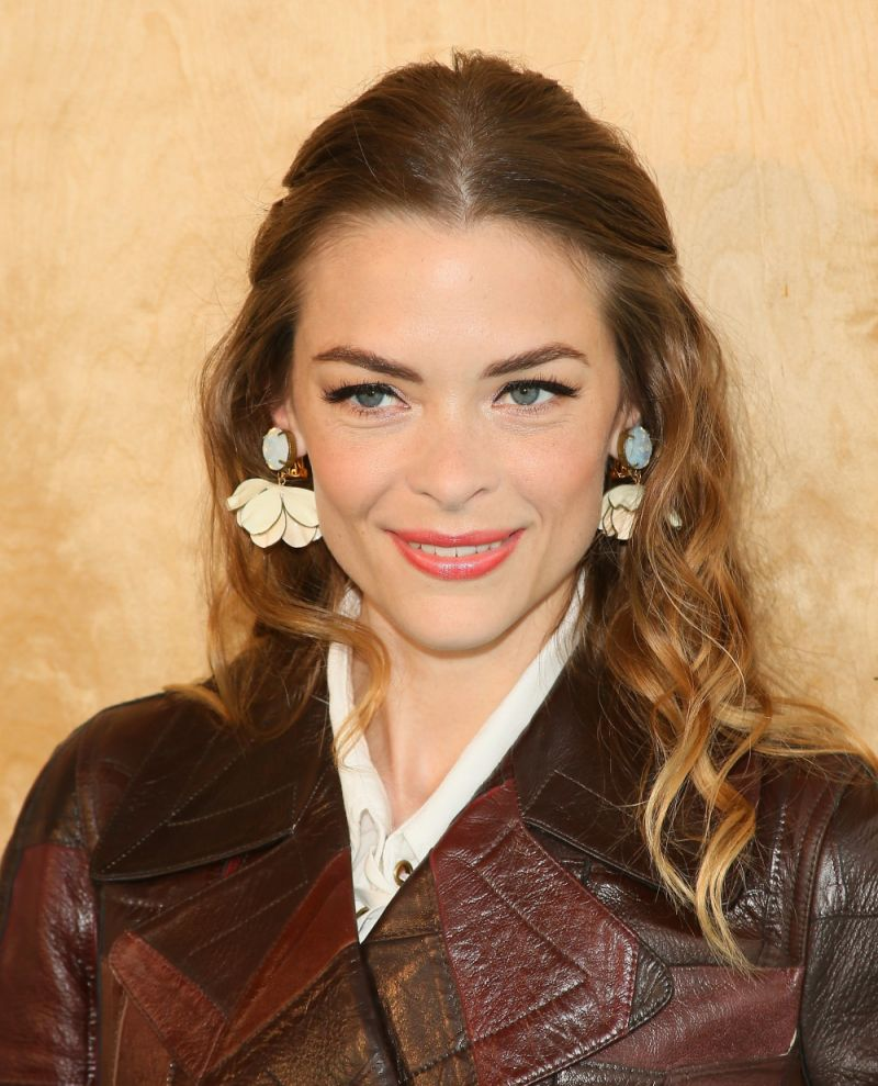 Jaime king just changed up her hair in a major way tracey jaime king just changed up her hair in a major way sciox Choice Image