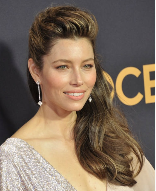 How to Get Jessica Biel's Elvis-Inspired Hairstyle